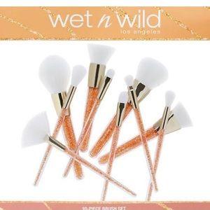 New Wet N Wild 10 Piece Brush Set